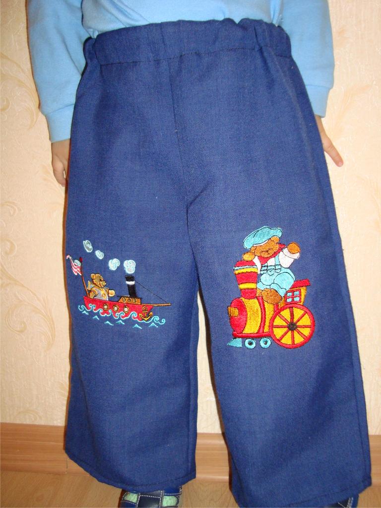 Детские штанишки с вышивкой